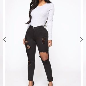 FASHION NOVA GLISTENING JEANS-BLACK